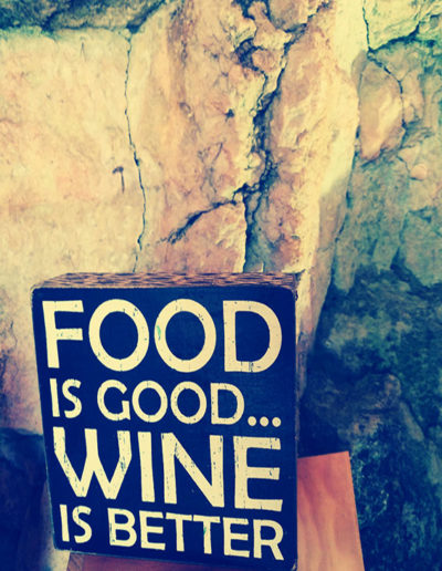 affiche food is good but wine is better